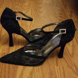 Black Lace Heels {Stuart Weitzman}
